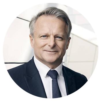 Photo de Jean-Baptiste Voisin X88 Directeur de la stratégie du groupe LVMH, président de LVMH Métiers d'Art Secrétaire général de l'AX